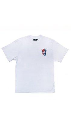 Camiseta à Urban X Mari Mats Branco
